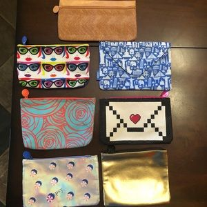 7 Ispy makeup bags